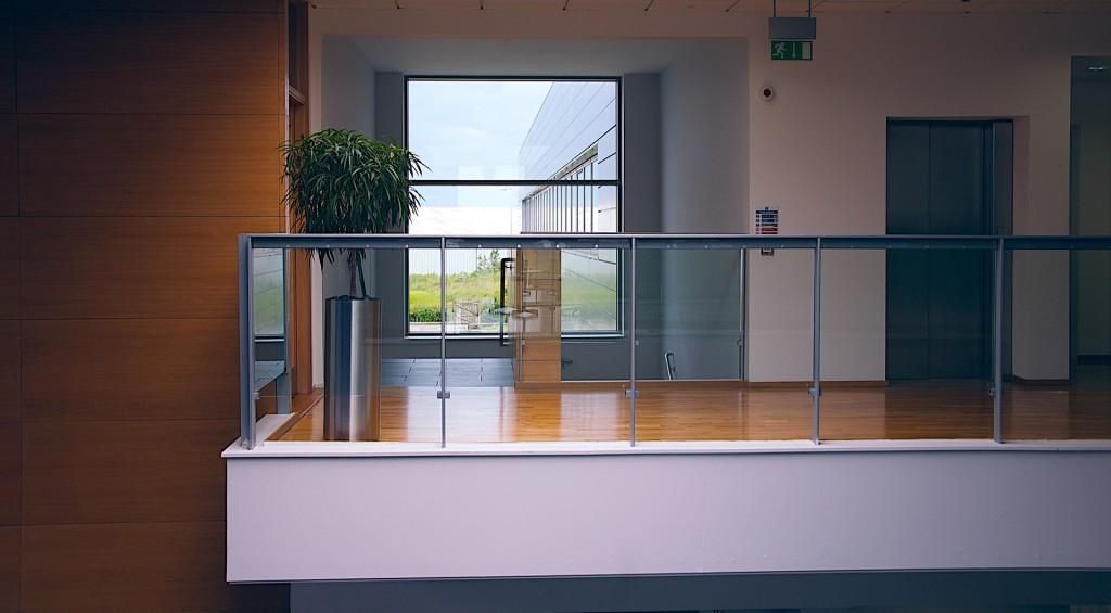 modern-office-1044807_1920